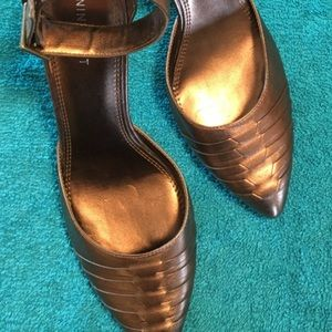 Almost new Nine West MABR ANKLE STRAP BRONZE heels